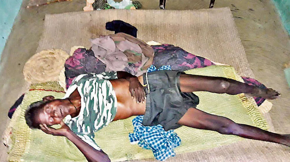 अंधविश्वास : मानसिक रूप से बीमार महिला को डायन होने के संदेह में ग्रामीणों ने पति सहित पीट कर मार डाला