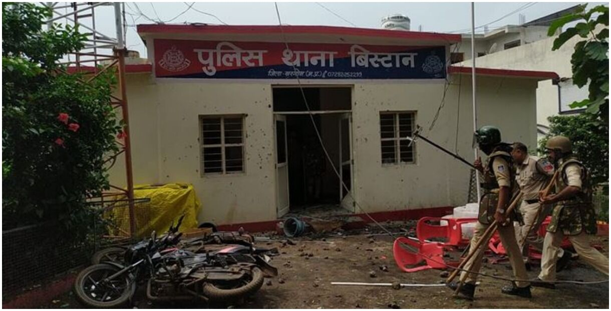 Tribal youth accused of theft dies in police custody, khaki showed strength, villagers pelted stones