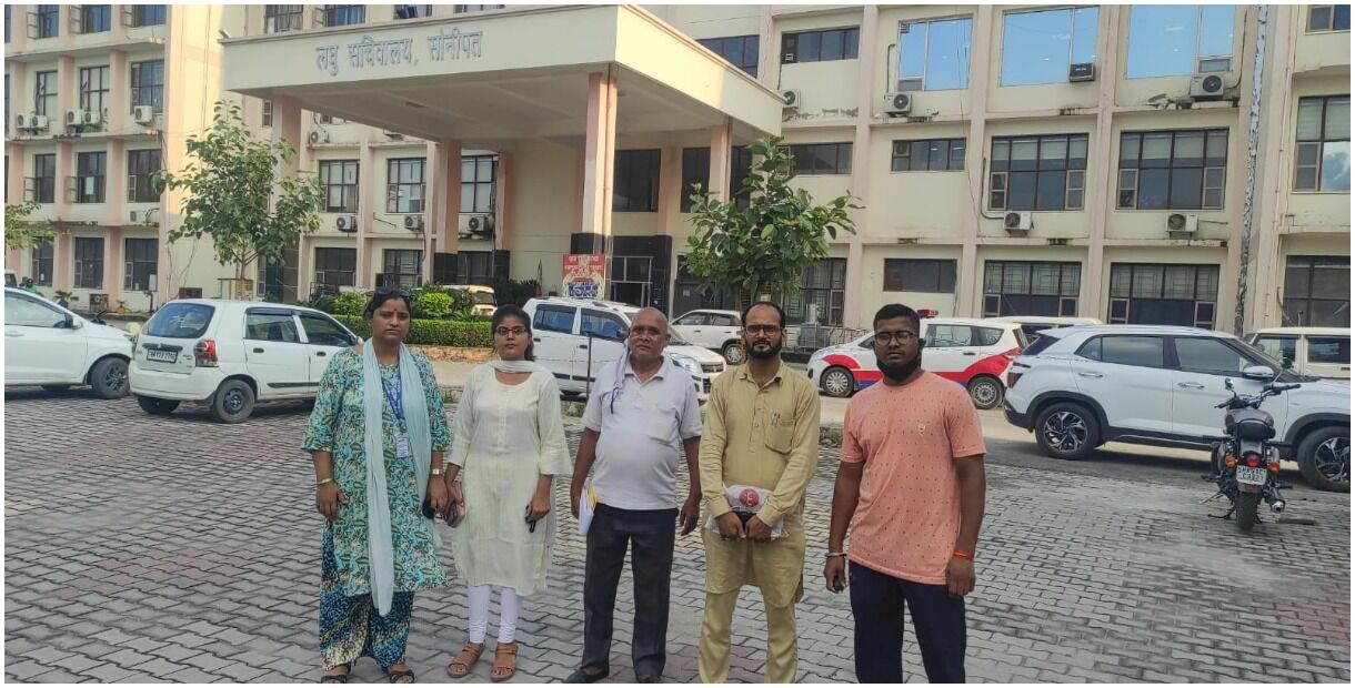 Social workers reached the secretariat to bring justice to the victim
