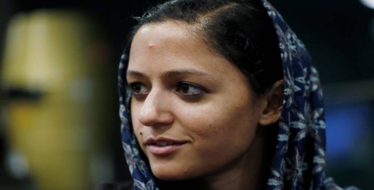 शेहला राशिद को पिता ने बताया देशद्रोही, बेटी बोली - मेरे पिता पत्नी को पीटने वाले बुरे इंसान