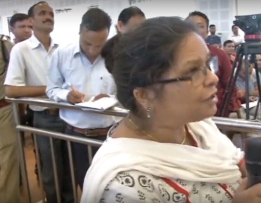 भाजपा मुख्यमंत्री को शिक्षिका ने कहा चोर-उचक्का और शराब तस्कर, वीडियो हुआ वायरल