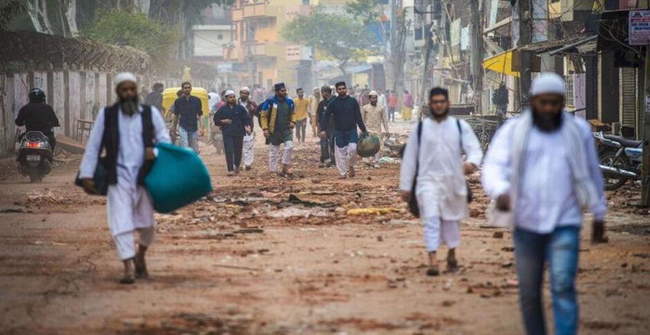भारत में अल्पसंख्यकों को निशाना बनातीं सरकारी नीतियां, अदालतों में भी भाजपा की पैठ
