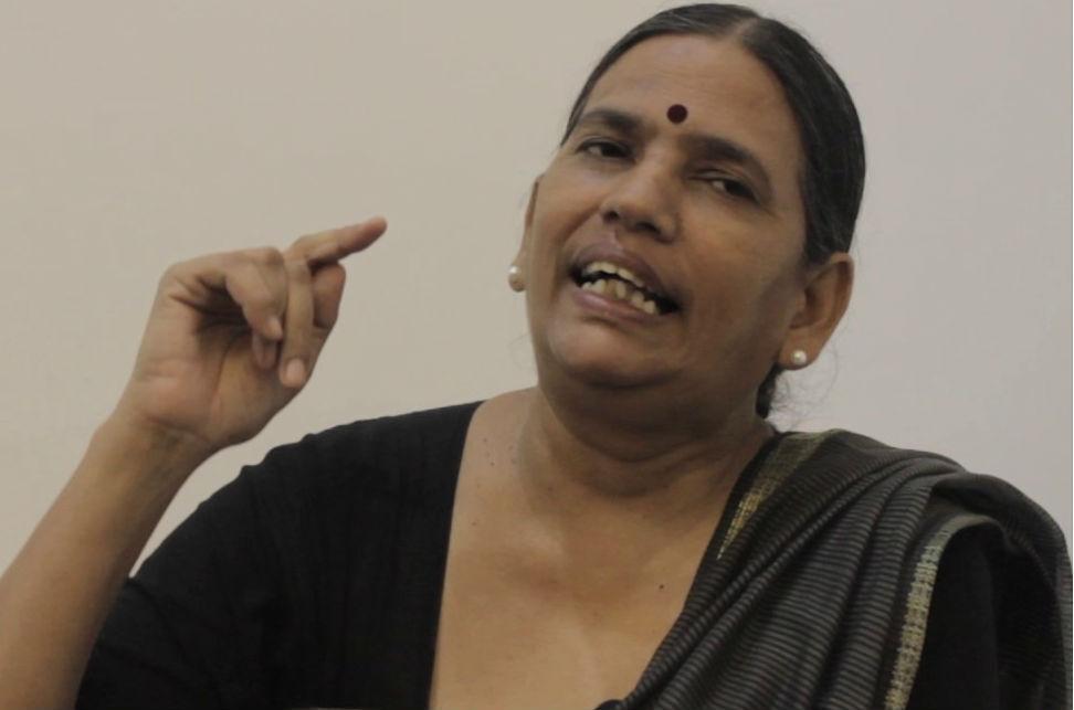 आदिवासियों का मुकदमा लड़ने के अपराध में गिरफ्तार हुईं सुधा भारद्वाज?