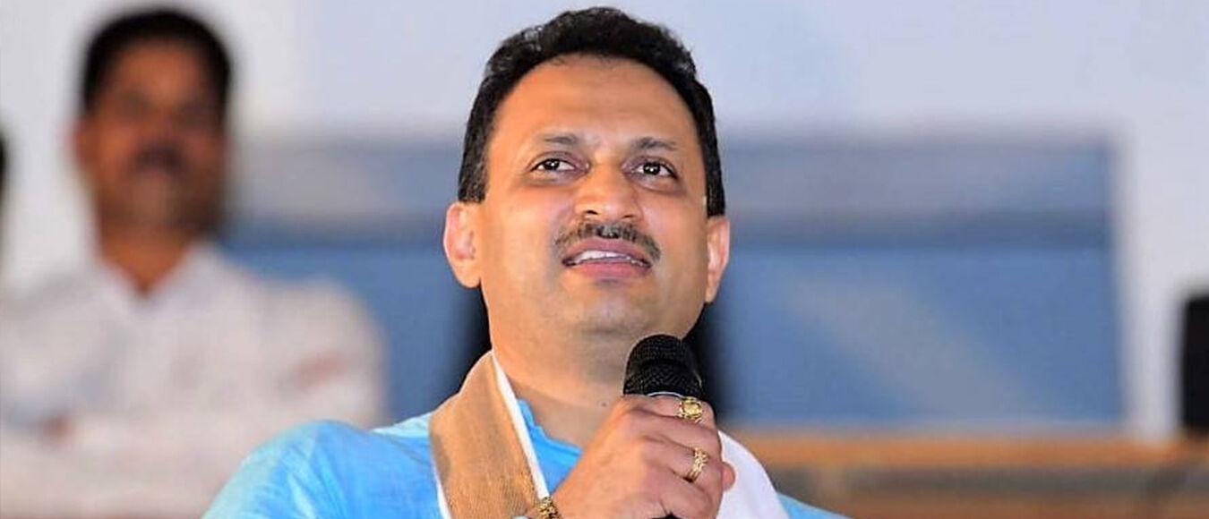मोदी के पूर्व केंद्रीय मंत्री अनंत कुमार हेगड़े ने कहा, भाजपा के 40 करोड़ बचाने के लिए बनाया था फणडवीस को मुख्यमंत्री